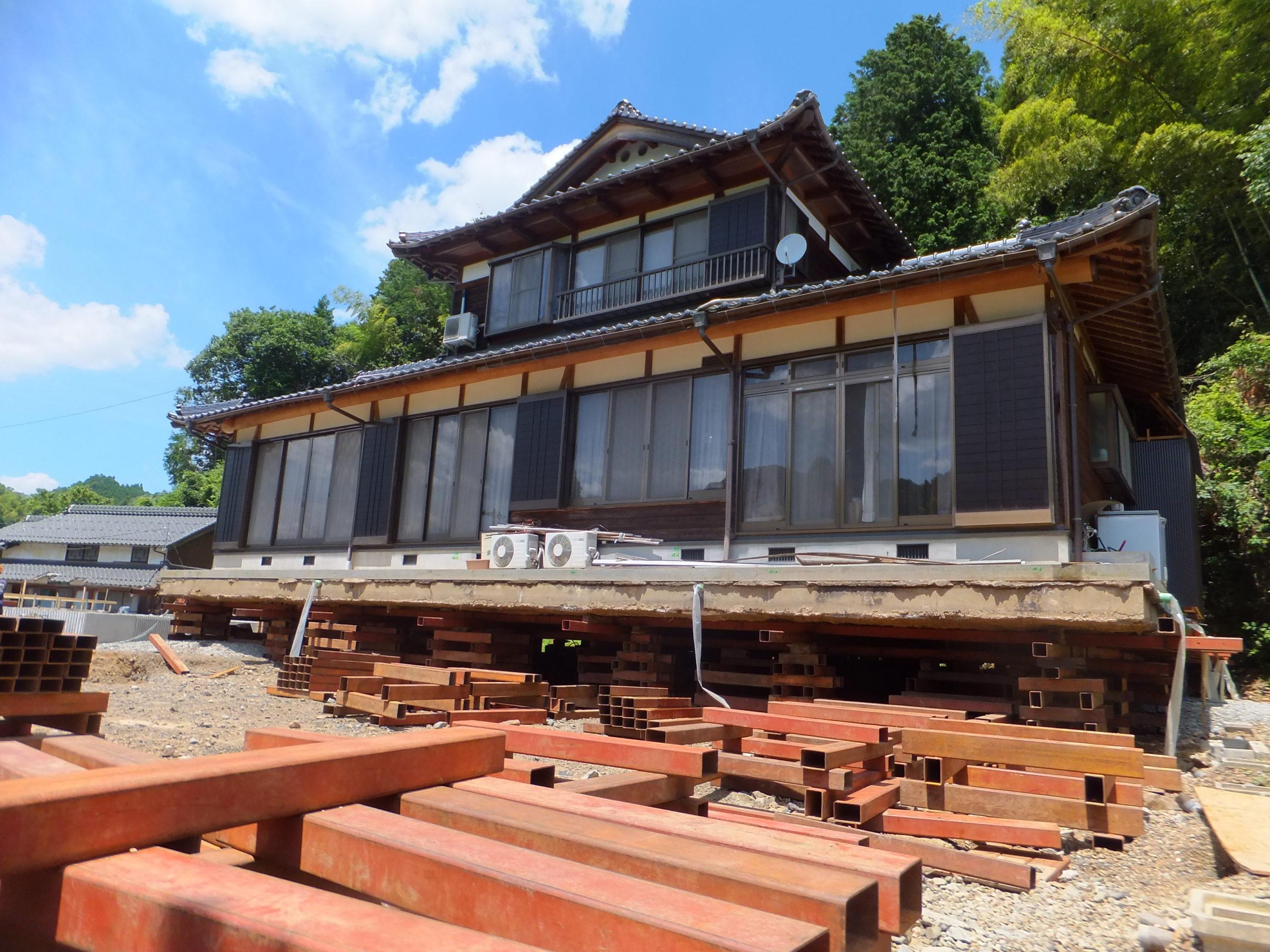 重量があり過ぎる木造住宅曳家工事
