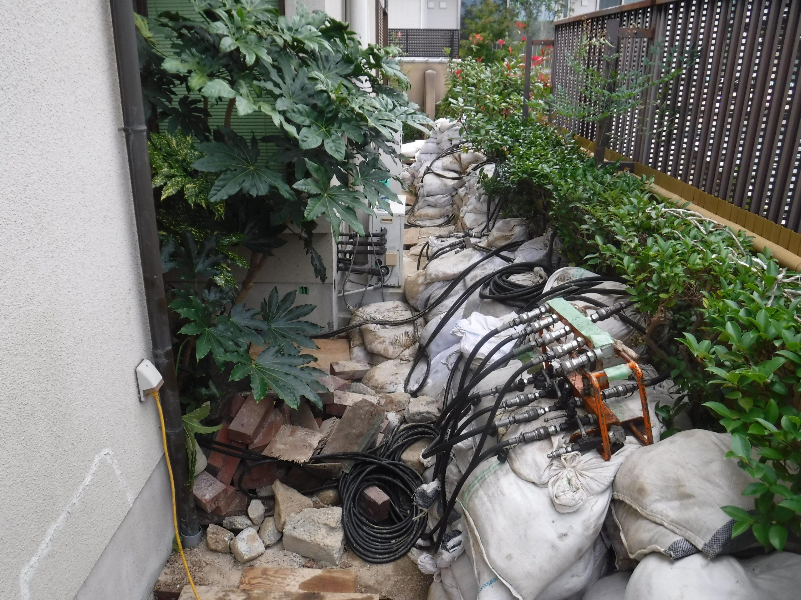 奈良県生駒市(機械が入らない場所の沈下修正)